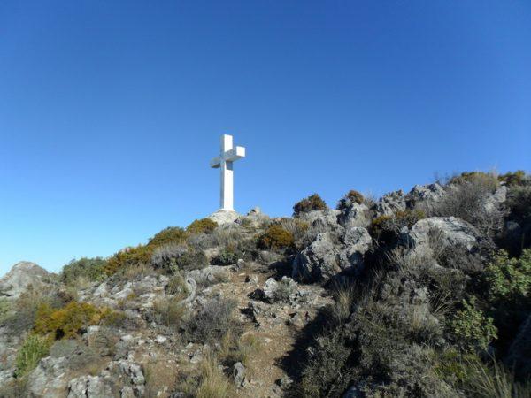Senderismo cuevas y cruces de la Sierra de la Alfaguara